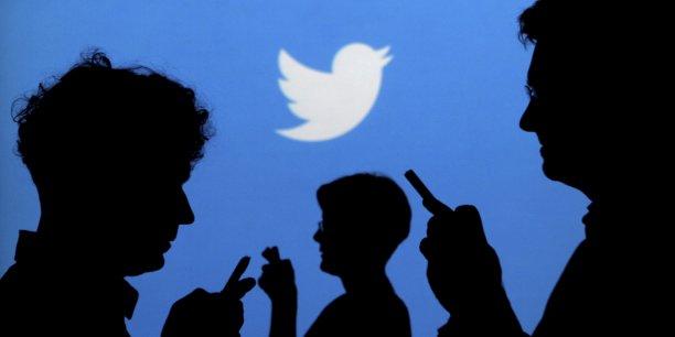 Le texte soumis aux actionnaires stipule que si le vote est un succès, Twitter devra « préparer un rapport sur la nature et la faisabilité de vendre la plateforme à ses utilisateurs via une coopérative ou une structure similaire».