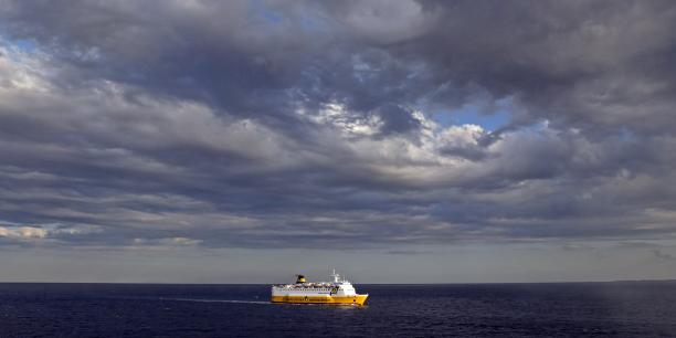 La compagnie aux couleurs jaune et bleu exploite 17 lignes vers la Corse, la Sardaigne et l'île d'Elbe et transporte annuellement environ 3,5 millions de passagers, notamment au départ de Toulon et Nice en France.