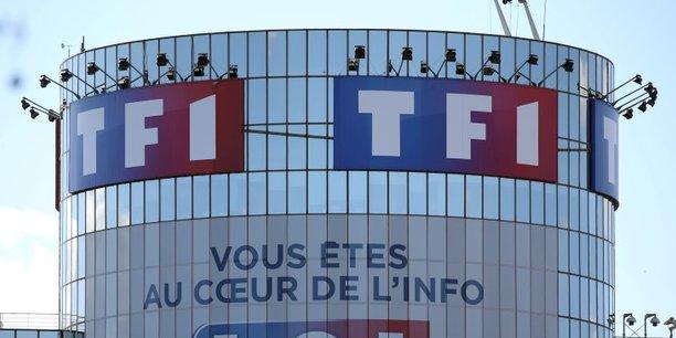 Pour décrocher la timbale, TF1 n'hésite pas à faire du chantage. Le groupe menace aujourd'hui de suspendre carrément la diffusion de ses chaînes gratuites (TF1, TMC, NT1, HD1 et LCI) si les opérateurs n'acceptent pas de partager le gâteau.