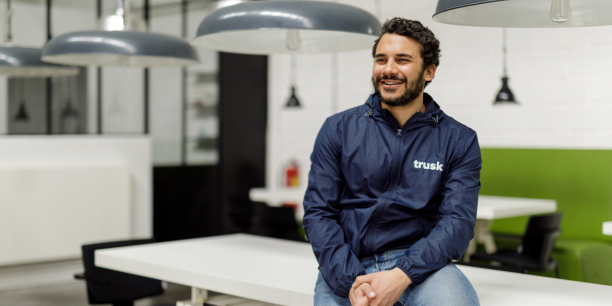 Thomas Effantin, CEO de Trusk, dans les locaux de son entreprise.