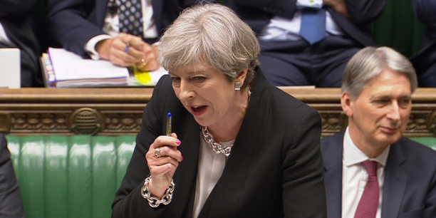 A l'issue d'un débat de 90 minutes, mercredi après-midi, les membres de la chambre des communes n'ont fait que formaliser le souhait de la Première ministre, votant à plus des deux tiers pour la tenue d'un scrutin avec trois ans d'avance sur le calendrier.