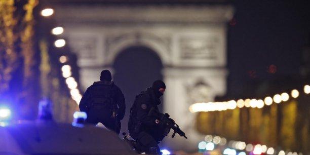 Les forces de securite, cibles croissantes d'attaques en france[reuters.com]