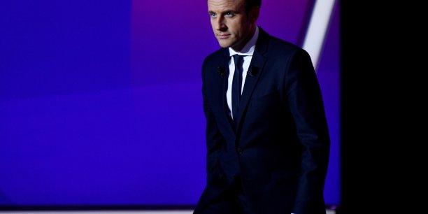 Macron appelle les francais a ne pas ceder a la peur[reuters.com]