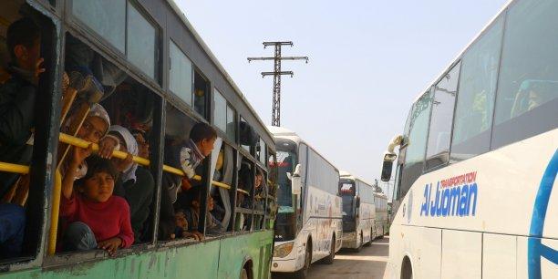 Reprise des evacuations en syrie apres une suspension de 48h[reuters.com]