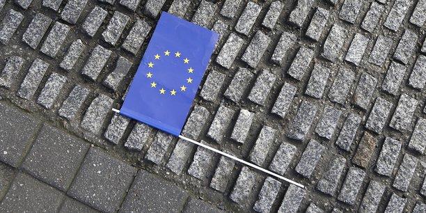 Le moment décisif de l'entre-deux-tours sera le duel télévisé entre les deux finalistes, mercredi 3 mai. Tout laisse penser que l'Europe en sera le principal enjeu et le fil conducteur.