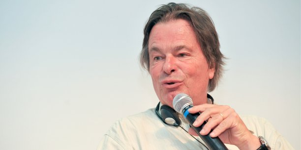 Jean-Pierre Orfeuil est professeur émérite à l'Institut d'urbanisme de Paris.