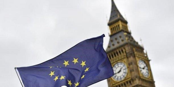 Les 27 doivent mettre une dernière touche le 22 mai à leur position commune de négociation et confier formellement le mandat de négociateur pour l'UE au français Michel Barnier. Les Européens seront alors prêts à entamer concrètement la négociation du Brexit.