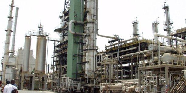L'économie ghanéenne est fortement perturbée par l'instabilité des prix de pétrole, alors que le pays est depuis 2010 membre du club des pays producteurs.