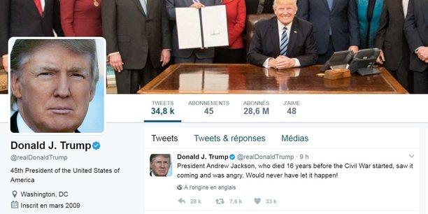 Donald Trump peut se targuer d'avoir 28,6 millions d'abonnés sur son compte Twitter - contre 16,9 millions d'abonnés début décembre.