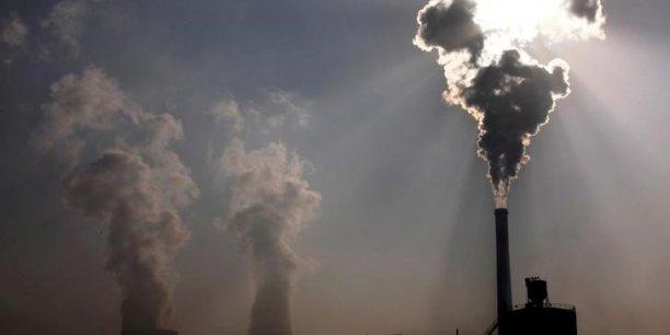 Dans le secteur énergétique, les ONG militent notamment pour la fin des permis d'exploitations des hydrocarbures sur tout le territoire français.