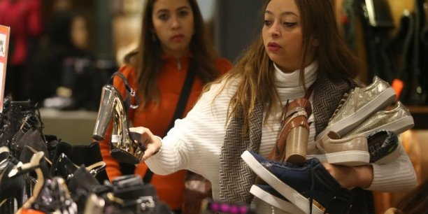 be488448617 Vivarte annonce mettre en vente l enseigne de chaussures Besson