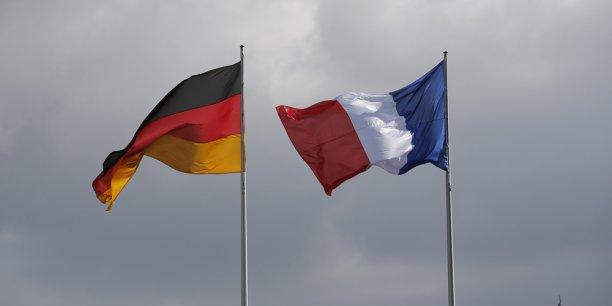 Selon les dernières prévisions de la Commission européenne, la croissance de la zone euro devrait atteindre 2,2% et celle de l'Union européenne 2,3 % en 2018.