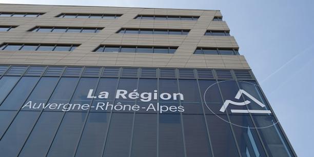 Législatives: Wauquiez (LR) renonce pour rester président de région