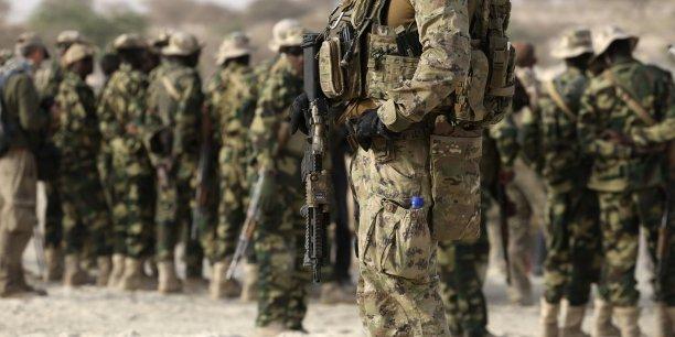 Officiellement présentes en Afrique pour la formation et le conseil militaire, les unités spéciales de l'armée américaine mènent en réalité une guerre secrète qui s'intensifie depuis 2006 et qui fait du Continent la seconde zone de conflit de ses unités d'élite, après le Moyen-Orient.