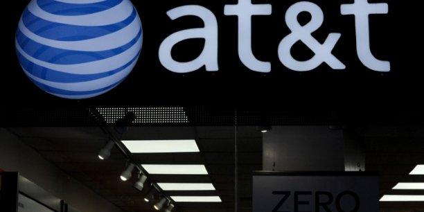 Usa: quelque 37.000 salaries d'at&t se mettent en greve[reuters.com]