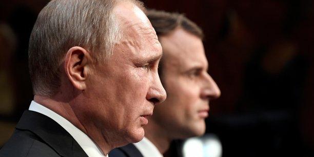 L'invitation lancée début mai par Emmanuel Macron à Vladimir Poutine montre le besoin réciproque des deux pays de renouer un dialogue, après des tensions sous François Hollande. Mais, cette visite à Versailles l'a montré, la relation entre les deux chefs d'Etat est aussi, voire surtout, le reflet de désaccords profonds.