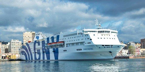 L'un des douze bateaux opérés par GNV