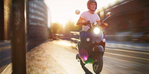 La vente de scooters électriques n'est que la première étape du projet des fondateurs de la jeune pousse Unu qui ambitionne de devenir un véritable opérateur de mobilité urbaine.