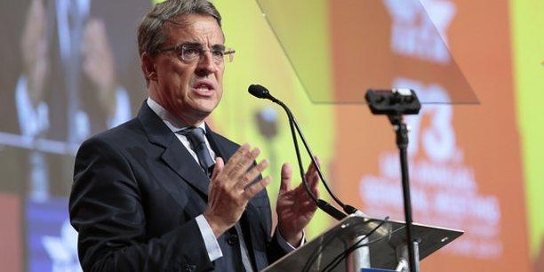 Cette industrie est l'industrie de la liberté. Aujourd'hui, nous faisons face à des vents contraires de la part de ceux qui voudraient renier les bénéfices de la mondialisation, a déclaré Alexandre de Juniac, ancien Pdg d'Air France-KLM et actuel directeur général de l'IATA.