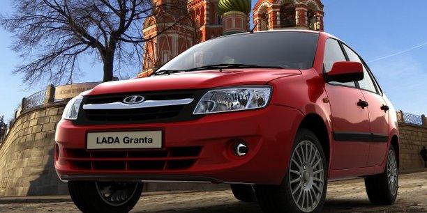 Lada est la marque leader sur le marché russe. Elle profite a plein du réveil de ce marché et gagne des parts de marché, pour le plus grand bonheur de sa maison-mère, Renault.