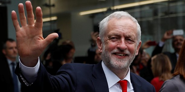 Jeremy Corbyn quitte le siège du parti travailliste, vendredi 9 juin.