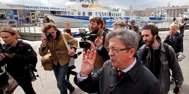 Jean-Luc Mélenchon va porter plainte pour dénonciation calomnieuse contre la dirigeante du Front national, Sophie Montel, à l'origine d'un signalement à la justice sur son utilisation des assistants parlementaires au Parlement européen.