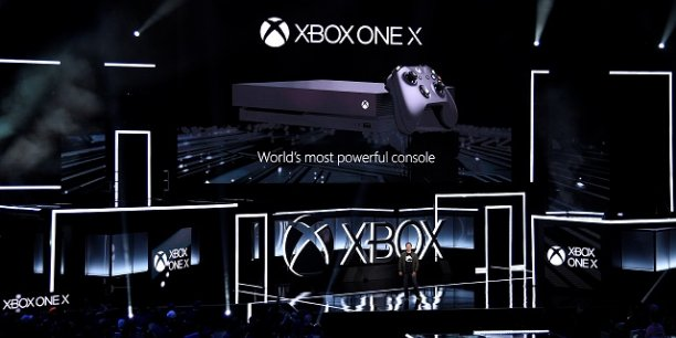 Le géant Microsoft a présenté sa nouvelle console de salon lors de la conférence E3 qui avait lieu à Los Angeles. La Xbox One X a pour ambition d'affronter la PS4 Pro de Sony et regagner des parts de marché.