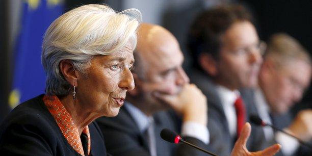 Après des mois de négociations, Christine Lagarde, la directrice générale du FMI, a annoncé que l'institution internationale participerait en principe au programme mais ne débloquerait des fonds qu'après avoir obtenu davantage de précisions sur l'allègement de la dette grecque.