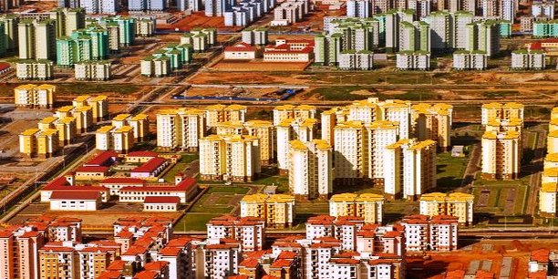 Kilamba, une ville construise en plein désert près de Luanda, par la seule volonté et les fonds du chinois CIF.
