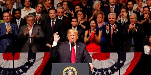 Nous ne voulons pas que les dollars américains servent à soutenir un monopole militaire qui exploite et maltraite les citoyens de Cuba a déclaré Donald Trump vendredi dans un discours à Miami.