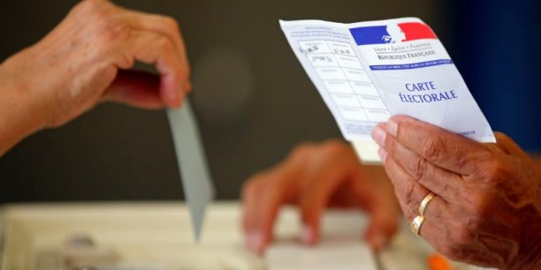 Resultats definitifs des legislatives, abstention 56,37%[reuters.com]