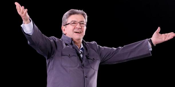 Jean-Luc Mélenchon aura un groupe parlementaire à l'Assemblée, dont il promet qu'il sera le fer de lance de la résistance sociale.