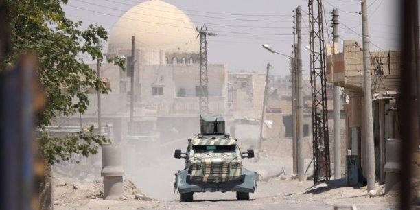 Les fds menacent damas apres des bombardements pres de rakka[reuters.com]