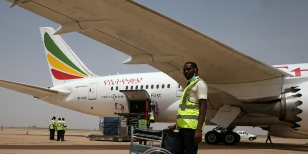 Le 22 mai dernier, Ethiopian Airlines effectuait son vol inaugural entre les aéroports d'Addis Abeba et de Chengdu, la cinquième destination de la compagnie en Chine. Le voyage est assuré à bord d'un Boeing 787-8, à raison de trois vols par semaine.   .