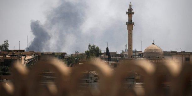 Un journaliste irakien tue a mossoul, trois reporters francais blesses[reuters.com]