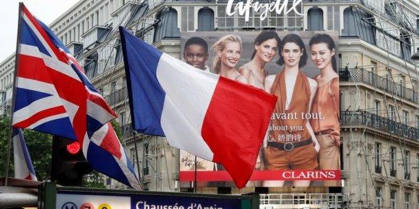 Le nombre de britanniques voulant devenir francais bondit[reuters.com]