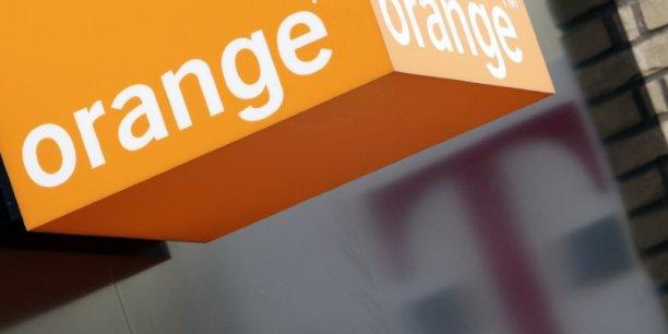 Orange reduit sa participation dans le britannique bt[reuters.com]