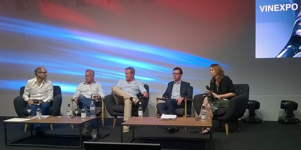 Jean-Marie Barillère, Andrew Shaw, Sean Allison, Miles Beale et Jane Anson au Parc des expositions de Bordeaux (de gauche à droite).