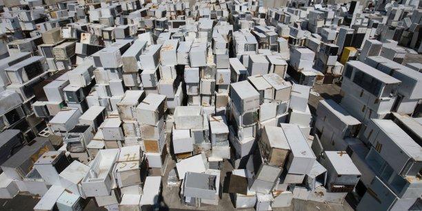 A Angers, dans le plus grand site de traitement des DEEE de France, géré par Veolia, 15.000 tonnes de frigos et congélateurs ont été traités en 2016.
