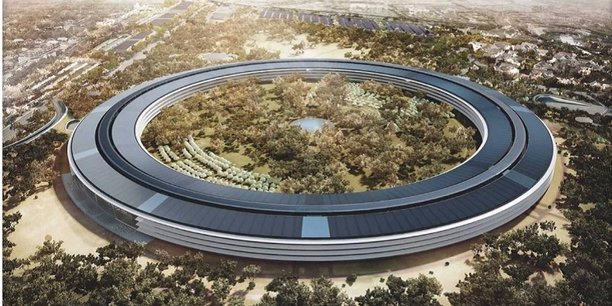 Apple Park, le futur siège social d'Apple, en construction à Cupertino dans la Silicon Valley