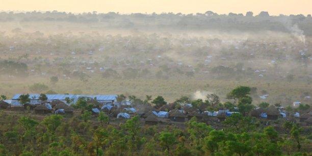 Situé à 50 kilomètres au Sud de la frontière entre le Soudan du Sud et l'Ouganda, Bidi Bidi est considéré aujourd'hui comme le plus grand camp de réfugiés au monde, avec celui de Zaatari en Jordanie..