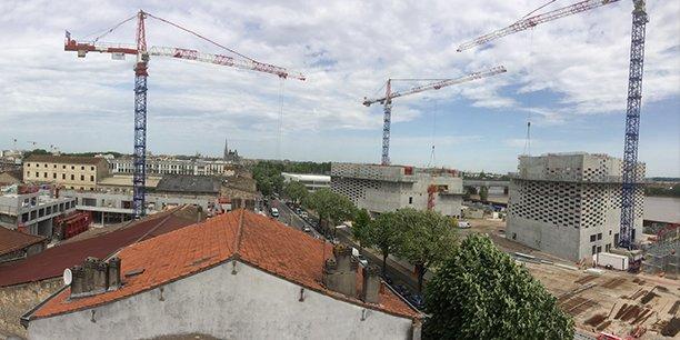 La métropole bordelaise fait preuve d'une grande attractivité, en témoigne le nombre de grues et d'immeubles en construction.