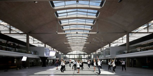 L'immense campus de Station F, à Paris, financé par Xavier Niel et dirigé par Roxanne Varza ouvre ses portes ce jeudi 29 juin.