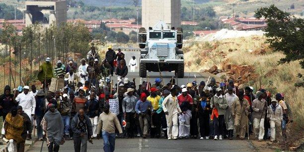 Manifestation dans une mine d'AngloGold Ashanti à Carletonville au nord-ouest de Johannesburg, le 25 octobre 2012, après une vague de licenciement qui a touché 12 000 salariés et des semaines de troubles dans les sites miniers de l'entreprise.