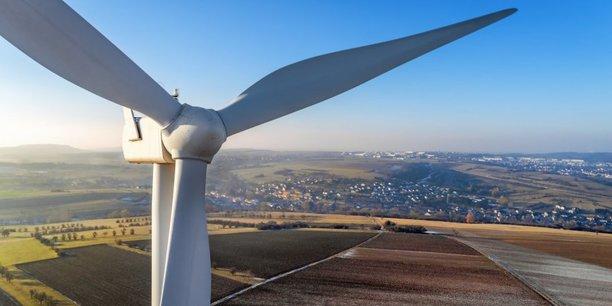 Les prix de l'électricité éolienne et solaire sont en chute libre.