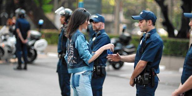 Une publicité de Pepsi est devenue virale en avril dernier, pour les mauvaises raisons. « Ils ont tenté d'être cool, de mettre en scène l'insouciance présumée des Millennials, mais ils n'ont rien compris à cette génération.», selon Marjolaine Grondin, la cofondatrice et Pdg de la startup française Jam