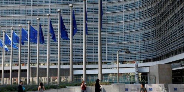 Certains commissaires européens penseraient que le travail des ONG pourrait encourager les exilés à prendre la mer au péril de leur vie, selon Timmermans, vice-président de la Commission européenne.
