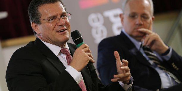 Maroš Šefčovič, vice-président de la Commission européenne en charge de la coordination de la politique spatiale et Jean-Yves Le Gall, président du Cnes