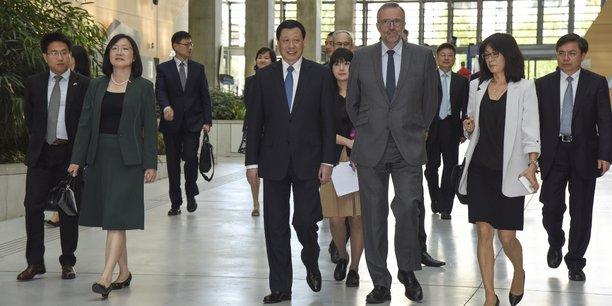 La délégation de Shanghai reçue par Etienne Blanc, premier vice-président d'Auvergne Rhône Alpes.