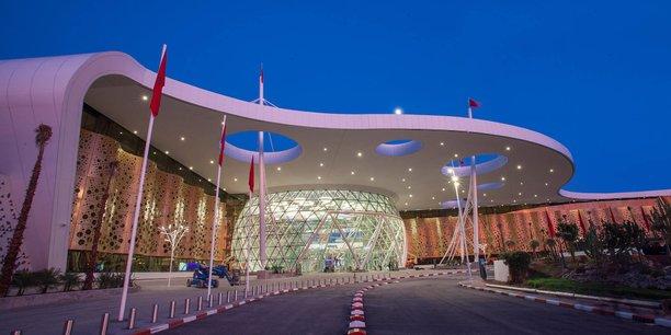 La nouvelle extension de l'aéroport de Marrakech dont les coûts en construction et d'équipements ont été supporté à 80% par la BAD, témoigne la focalisation de la banque sur les projets de connectivité.